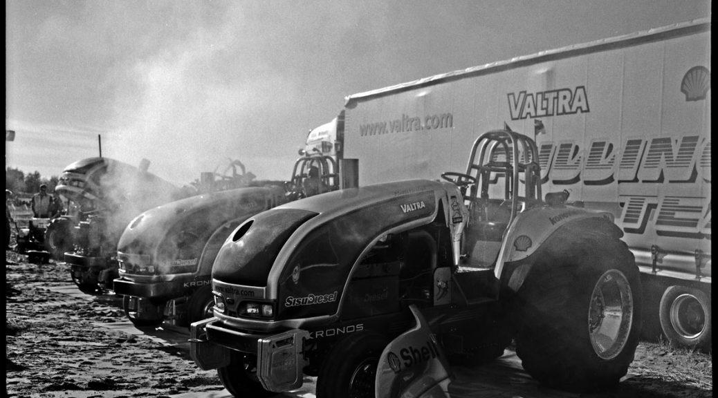 Tractors at Kalajoki © Gabi Schaffner